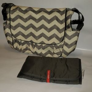 Skip Hop Messenger diaper Bag